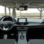 Prueba Hyundai i30 Fastback diseño salpicadero