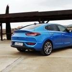 Prueba Hyundai i30 Fastback perfil trasero