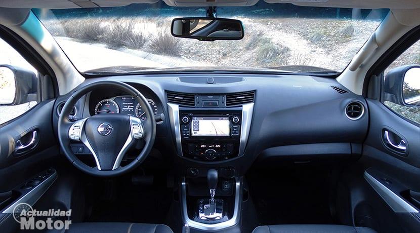 Prueba Nissan Navara NP300 diseño interior