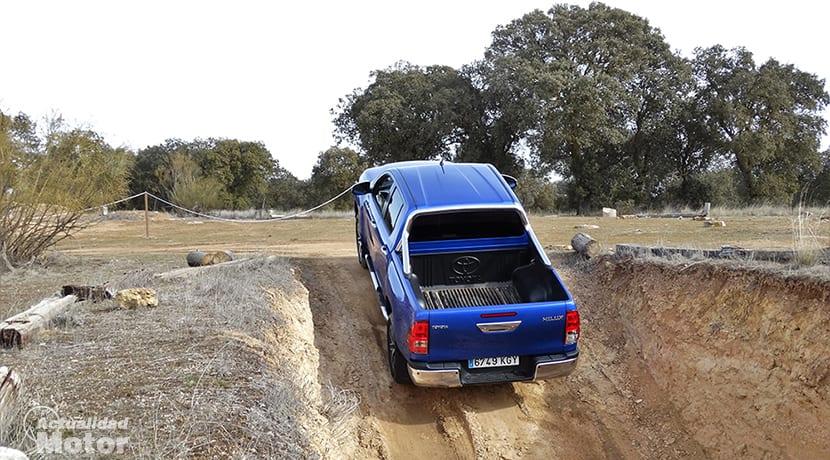 Prueba Toyota Land Cruiser y Toyota Hilux en circuito offroad