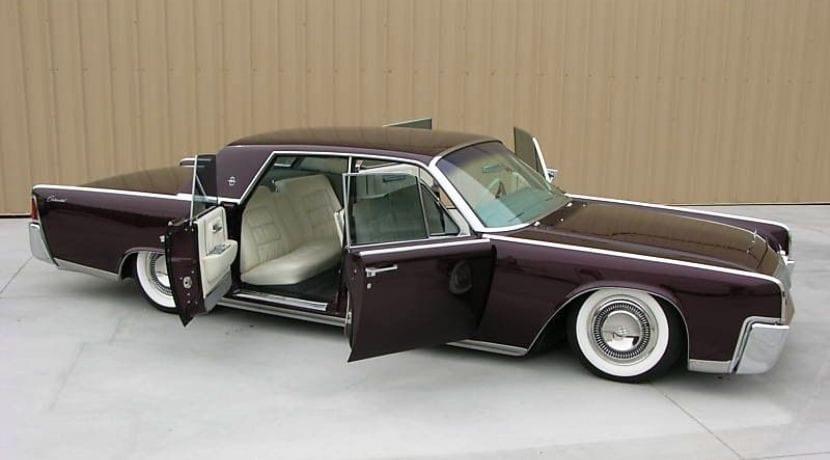 Lincoln Continental puertas suicidas