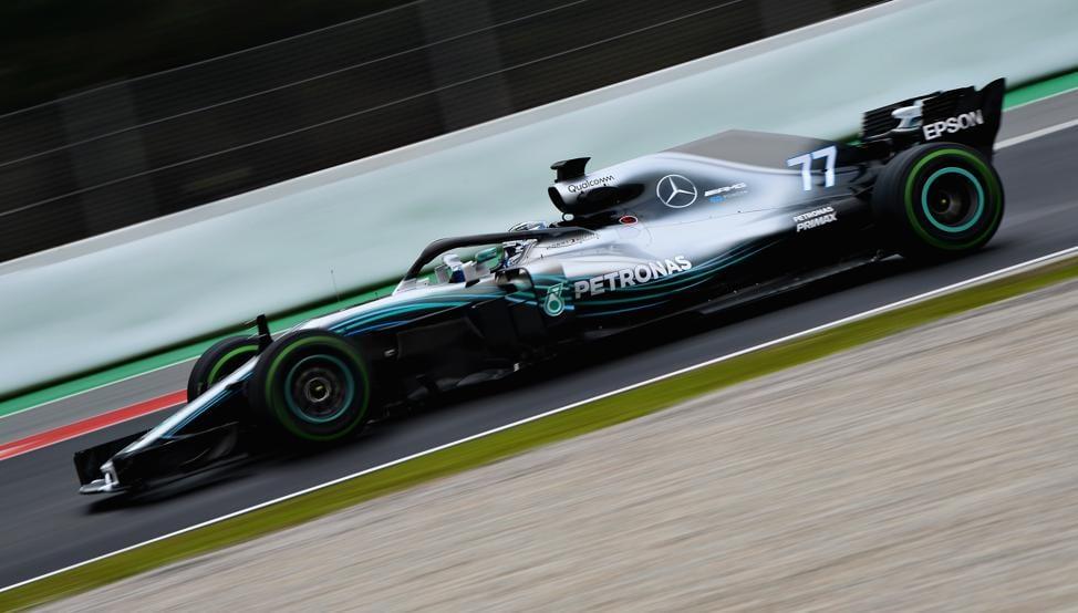 Mercedes corriendo en Montmeló