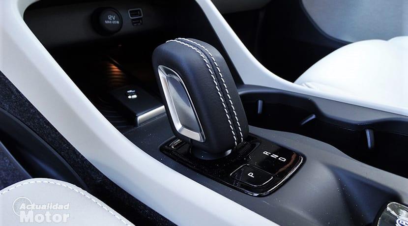 Prueba Volvo XC40 palanca de cambios