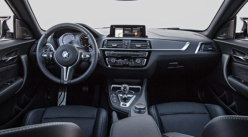 BMW M2 Competition diseño interior