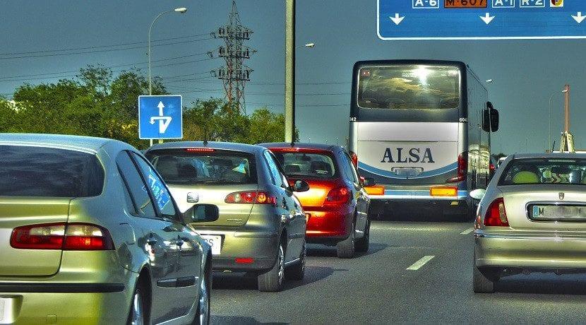 Canjear carnet colombiano en España de coche o autobús