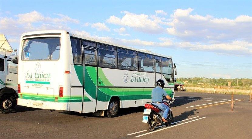 qué pasa si se suspende el carnet de conducir de cualquier tipo: moto, coche, camión, autobús