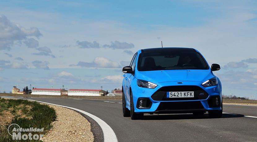 Comparativa Compactos Deportivos Ford Focus RS delantera