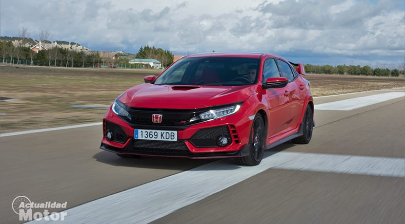 Prueba Honda Civic Type R dinámica perfil delantero