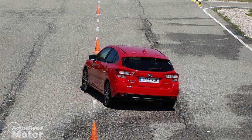Prueba Subaru Impreza slalom de conos