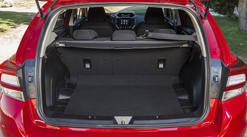 Prueba Subaru Impreza maletero de 385 litros