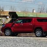 Prueba Toyota Hilux lateral