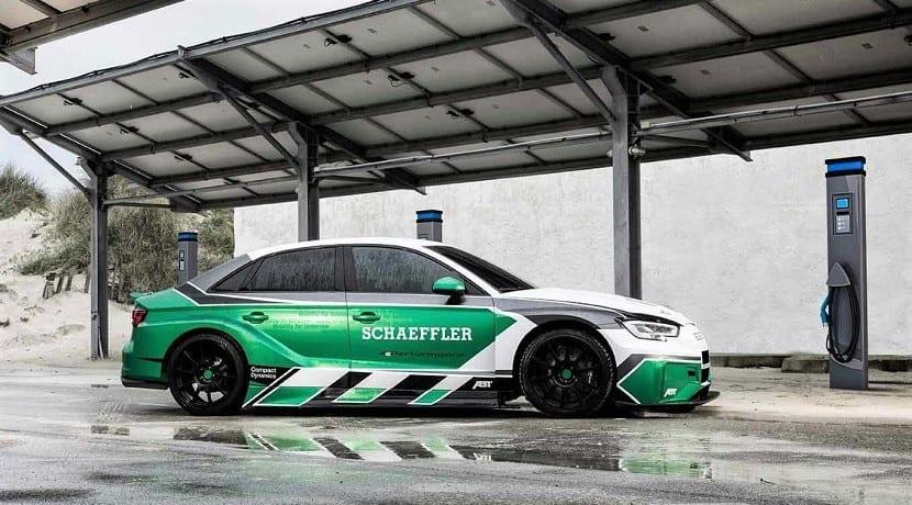 Lateral del Audi RS3 eléctrico
