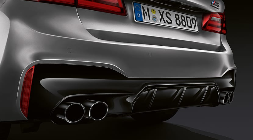BMW M5 Competition difusor trasero y tubo de escape