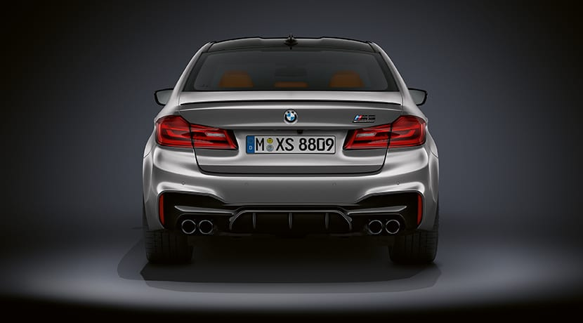 BMW M5 Competition trasera