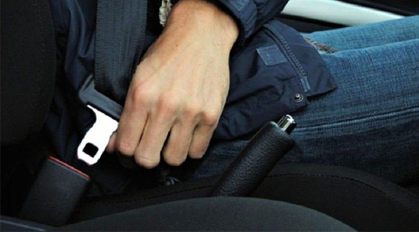 Cinturón de seguridad para el taxista