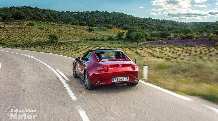 Mazda MX-5 dinámica trasera