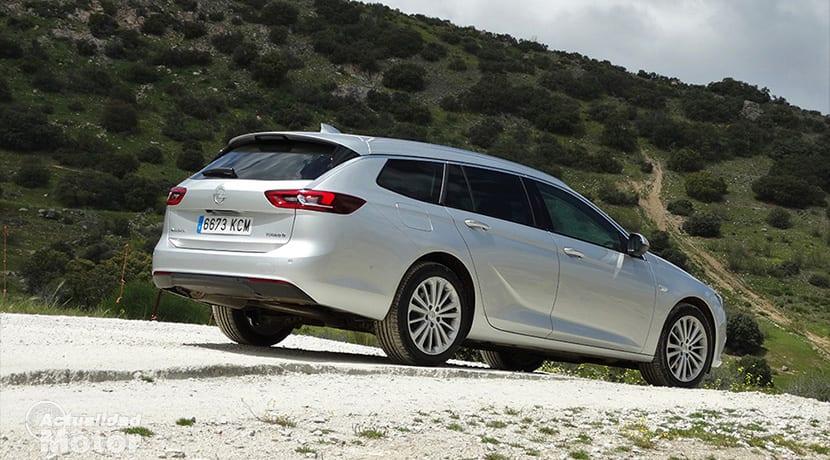 Prueba Opel Insignia Sports Tourer lateral trasera