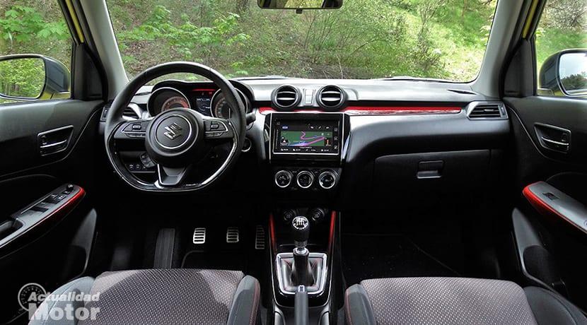 Prueba Suzuki Swift Sport diseño interior