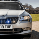 Parrilla con luces del Skoda Superb blindado