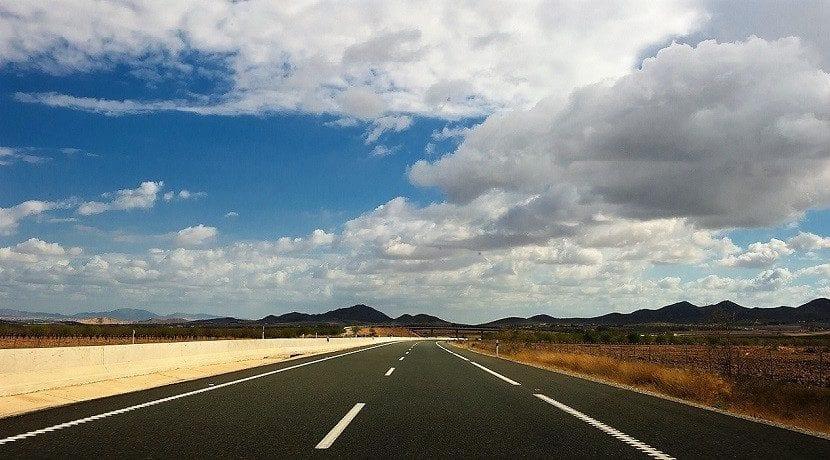 Límites de velocidad en España en autopista y autovía
