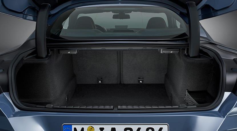 BMW Serie 8 Coupé maletero