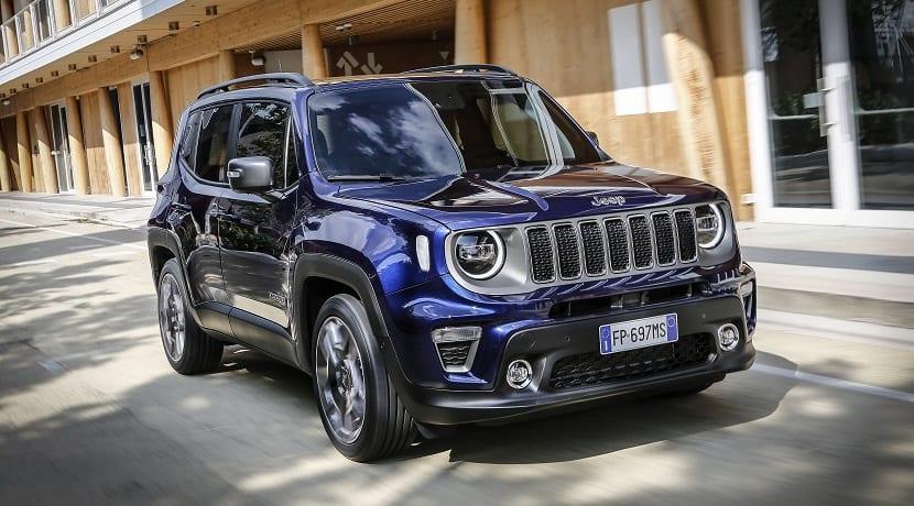 jeep renegade 2019 motores y equipamiento al descubierto. Black Bedroom Furniture Sets. Home Design Ideas