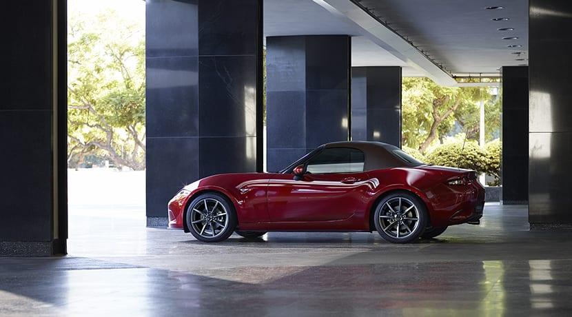 Mazda MX-5 lateral