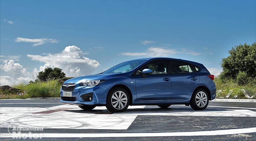Prueba Subaru Impreza lateral