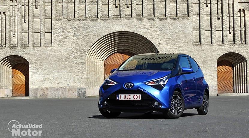 Prueba Toyota Aygo perfil delantero