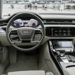 Audi A8 L puesto conducción