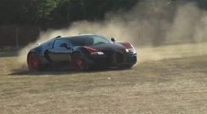 Bugatti Veyron derrapando en tierra