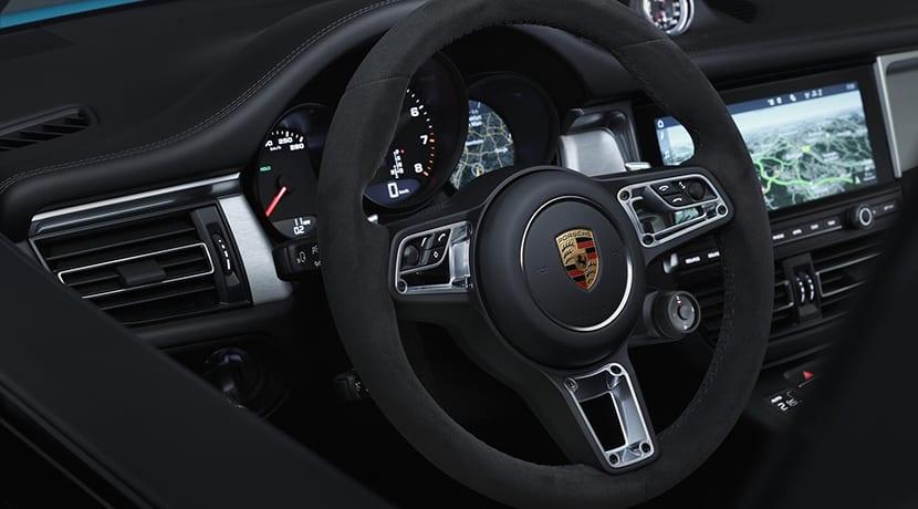 Porsche Macan volante