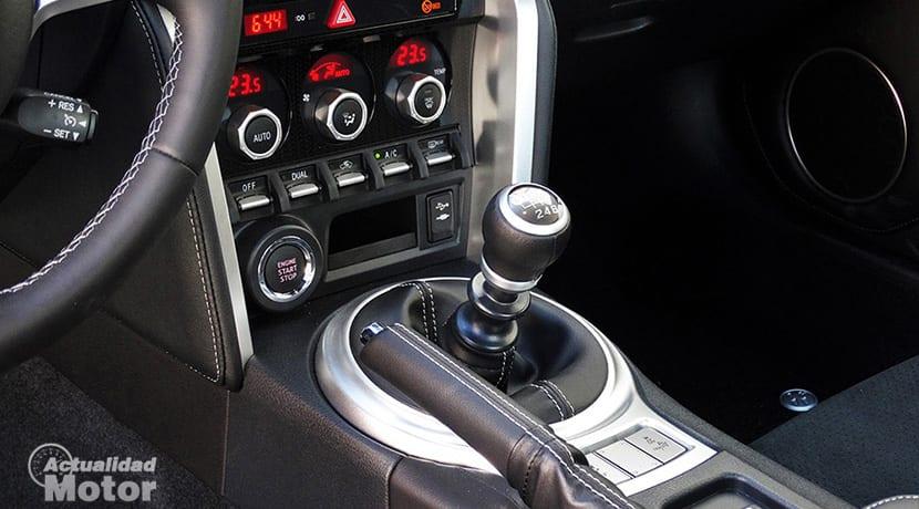 Prueba Toyota GT86 palanca de cambios