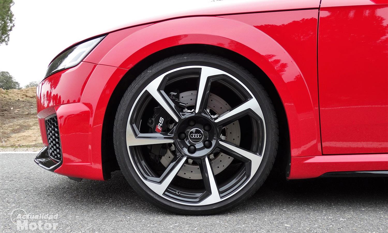 Cómo cambiar la rueda del coche correctamente y con seguridad