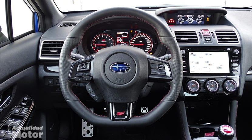 Prueba Subaru WRX STi volante