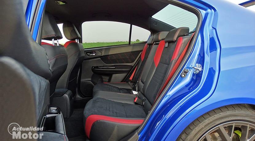 Prueba Subaru WRX STi plazas traseras