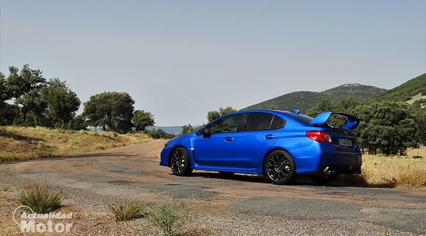 Prueba Subaru WRX STi en curva