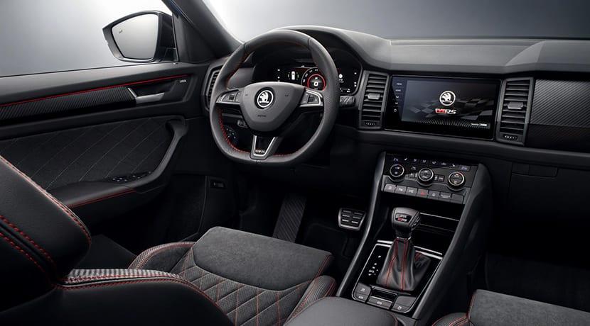 Diseño interior del Skoda Kodiaq RS