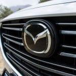 Logo frontal acristalado del Mazda CX-3 2018