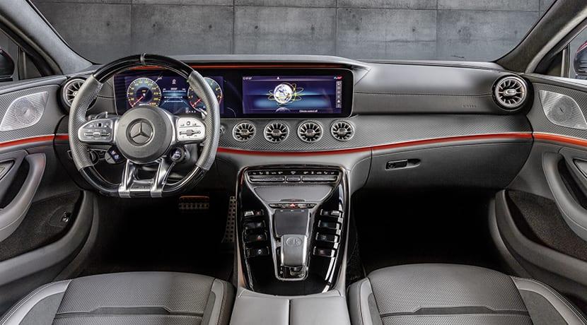 Mercedes-AMG GT 43 Coupé 4 puertas interior