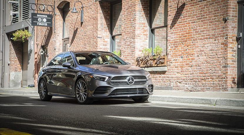 Mercedes-Benz Clase A Sedán perfil