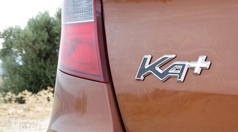 Prueba Ford Ka+ Active insignia