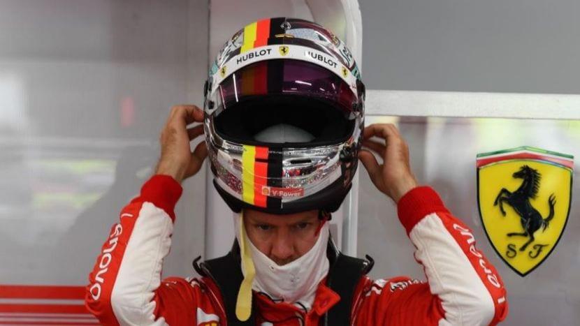 Vettel se pone el casco