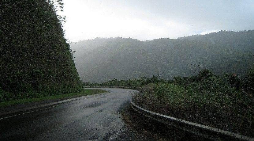 Lleva los neumáticos en buen estado para conducir con lluvia