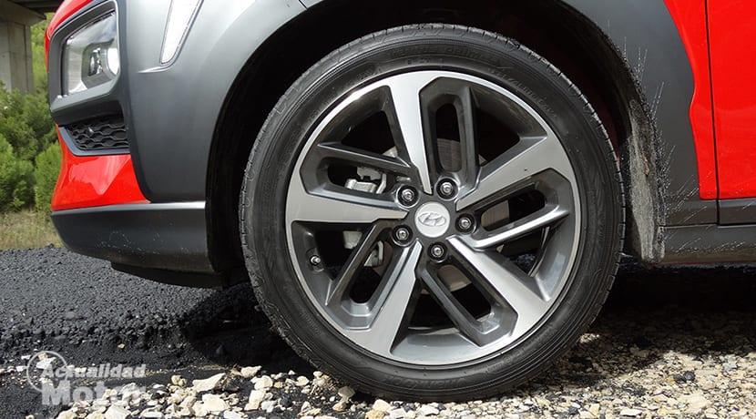 Comprobación visual del estado de los neumáticos