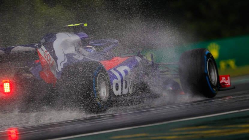 Toro Rosso bajo la lluvia
