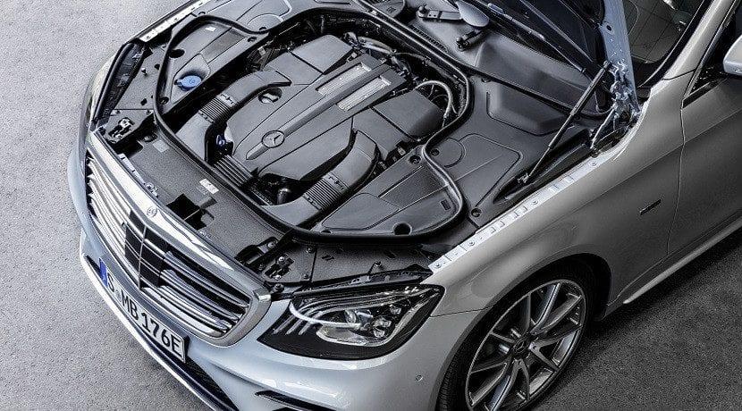 Motor del Mercedes Clase S 560e híbrido enchufable