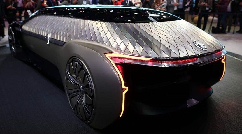 Trasera del Renault EZ-Ultimo Concept en el Salón de París 2018