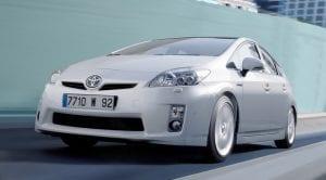 Toyota llama a taller a 2,4 millones de híbridos