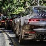 Caravana de Porsche 911 en desarrollo
